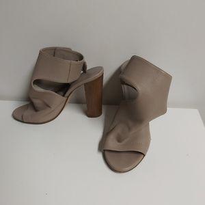 🤯BUY1,GET1FREE VINCE tan block heels